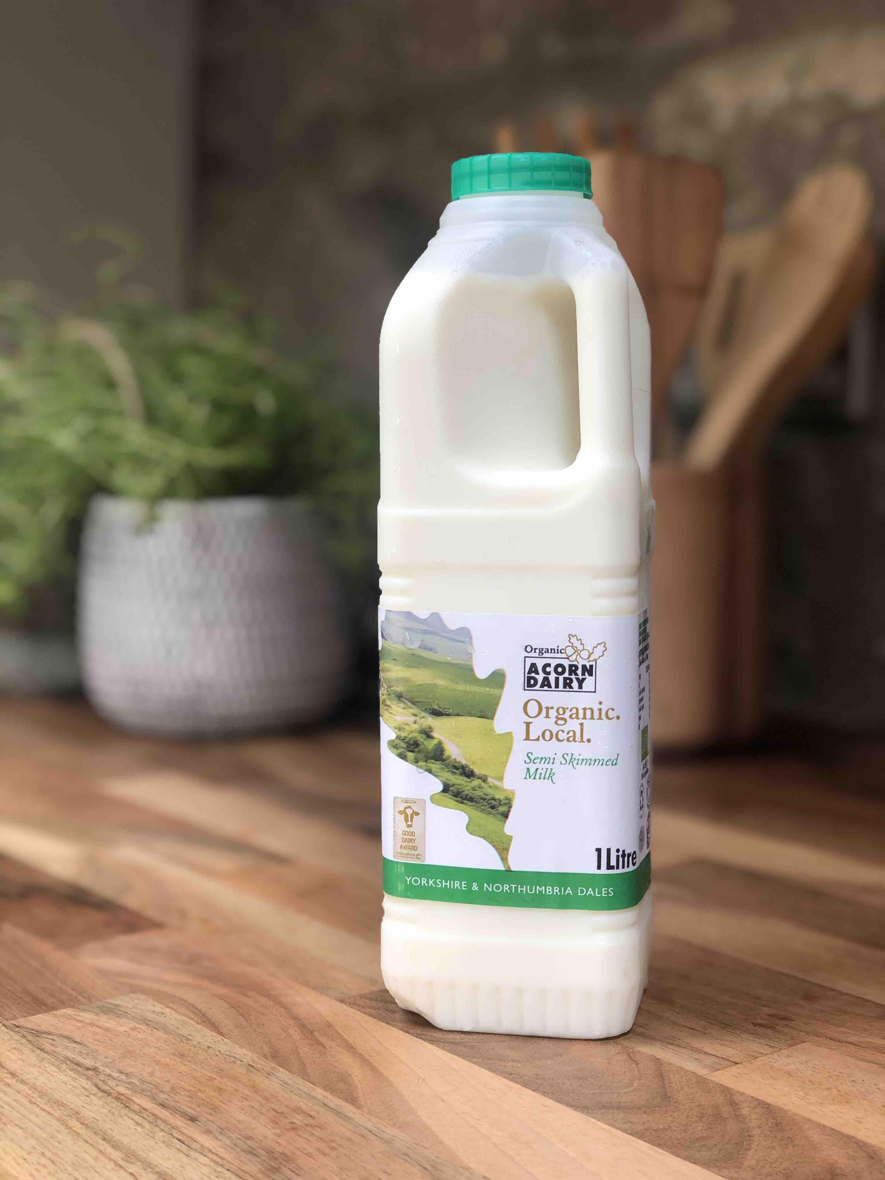 Acorn Organic Semi Skimmed Milk 1L