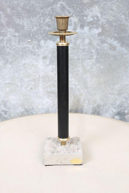 Ljusstake med cementfot, svart (höjd 32  cm)