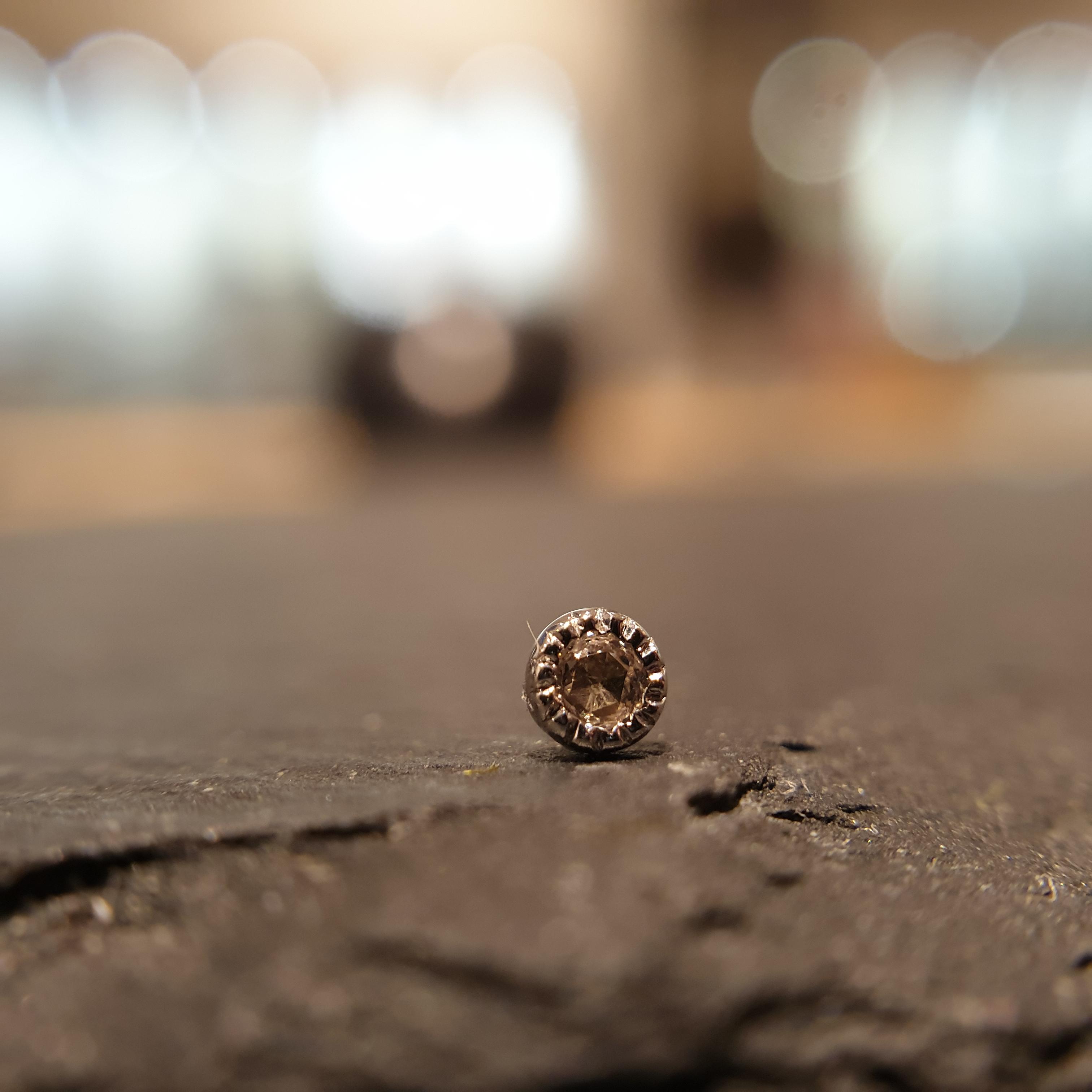 Auris 14k Echtgold Aufsatz Diamant