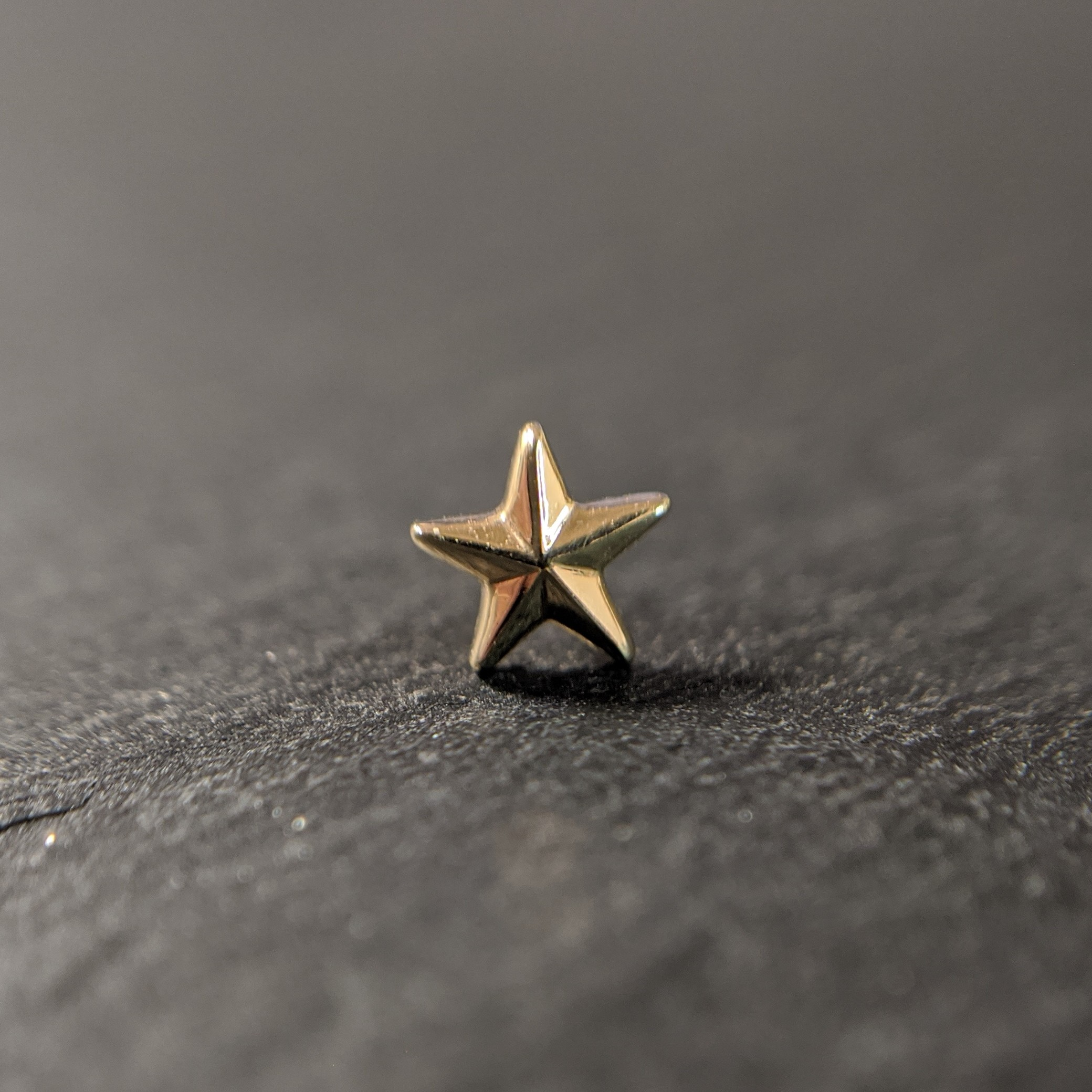 Auris 14k Gold STAR