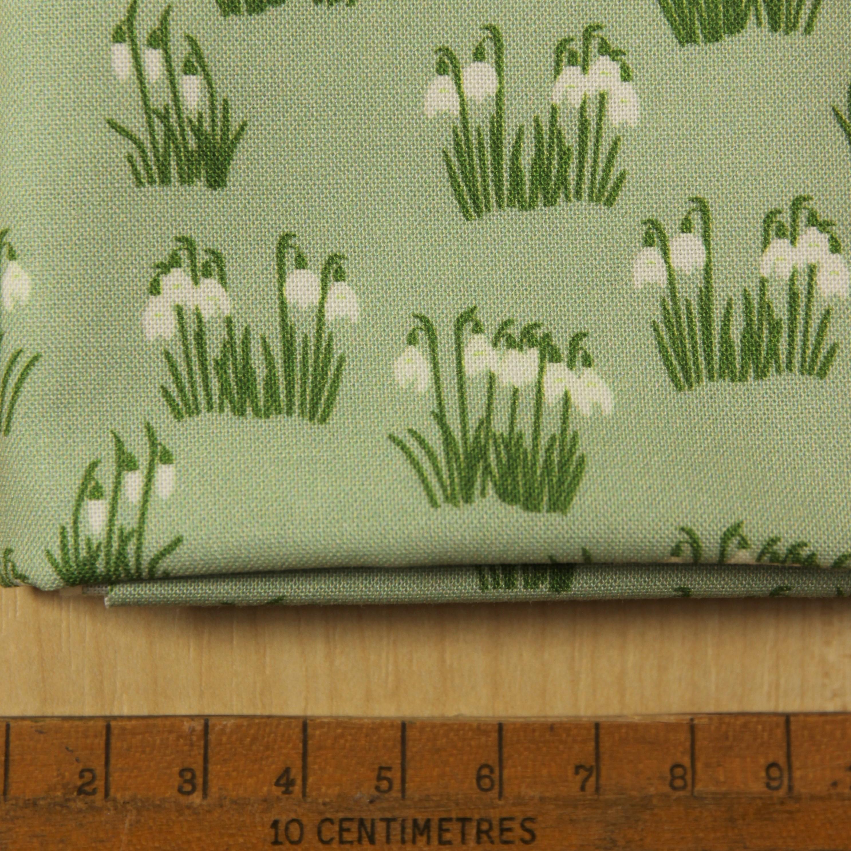Snowdrop fabric fat quarter