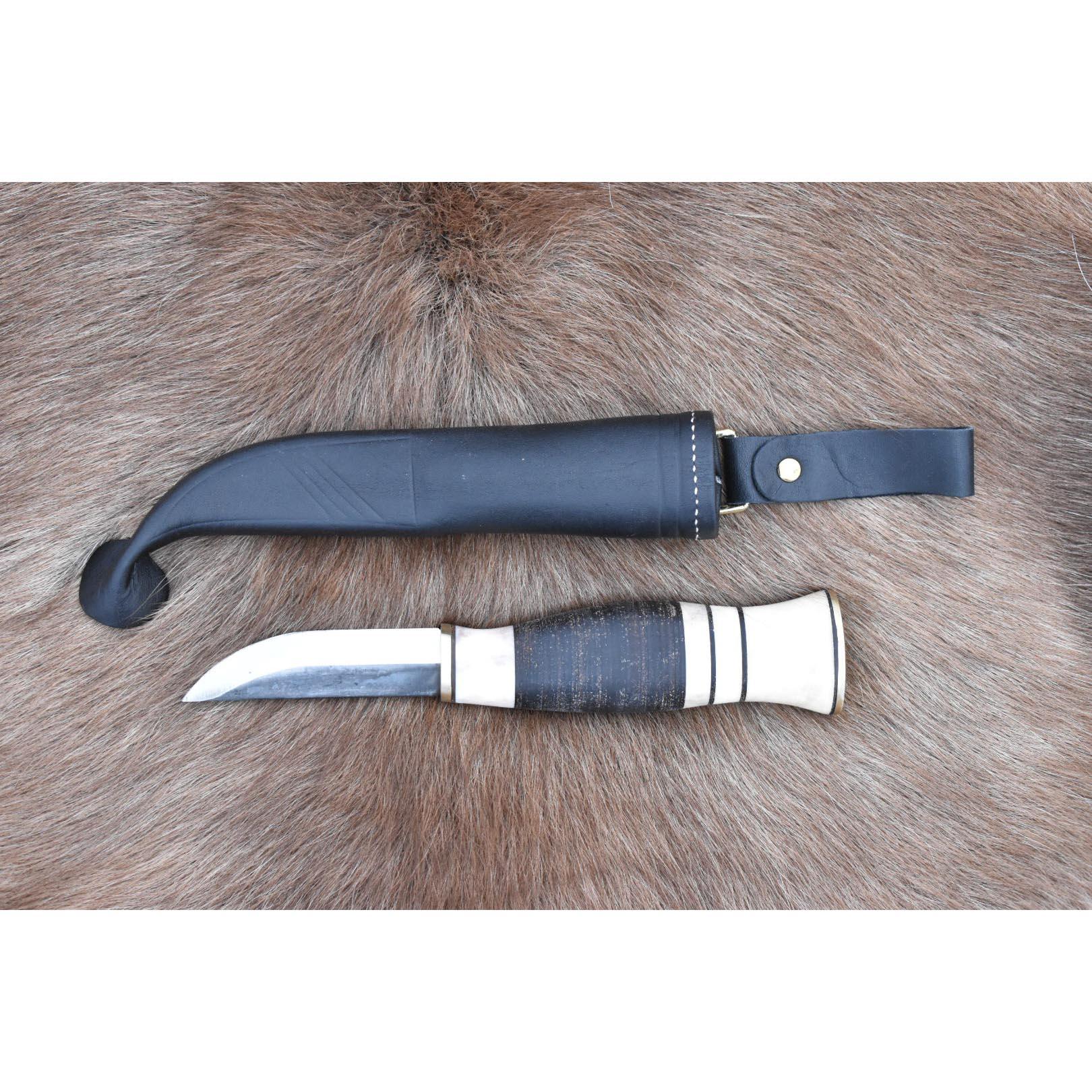 Nr 402 - Kniv med skaft av läder