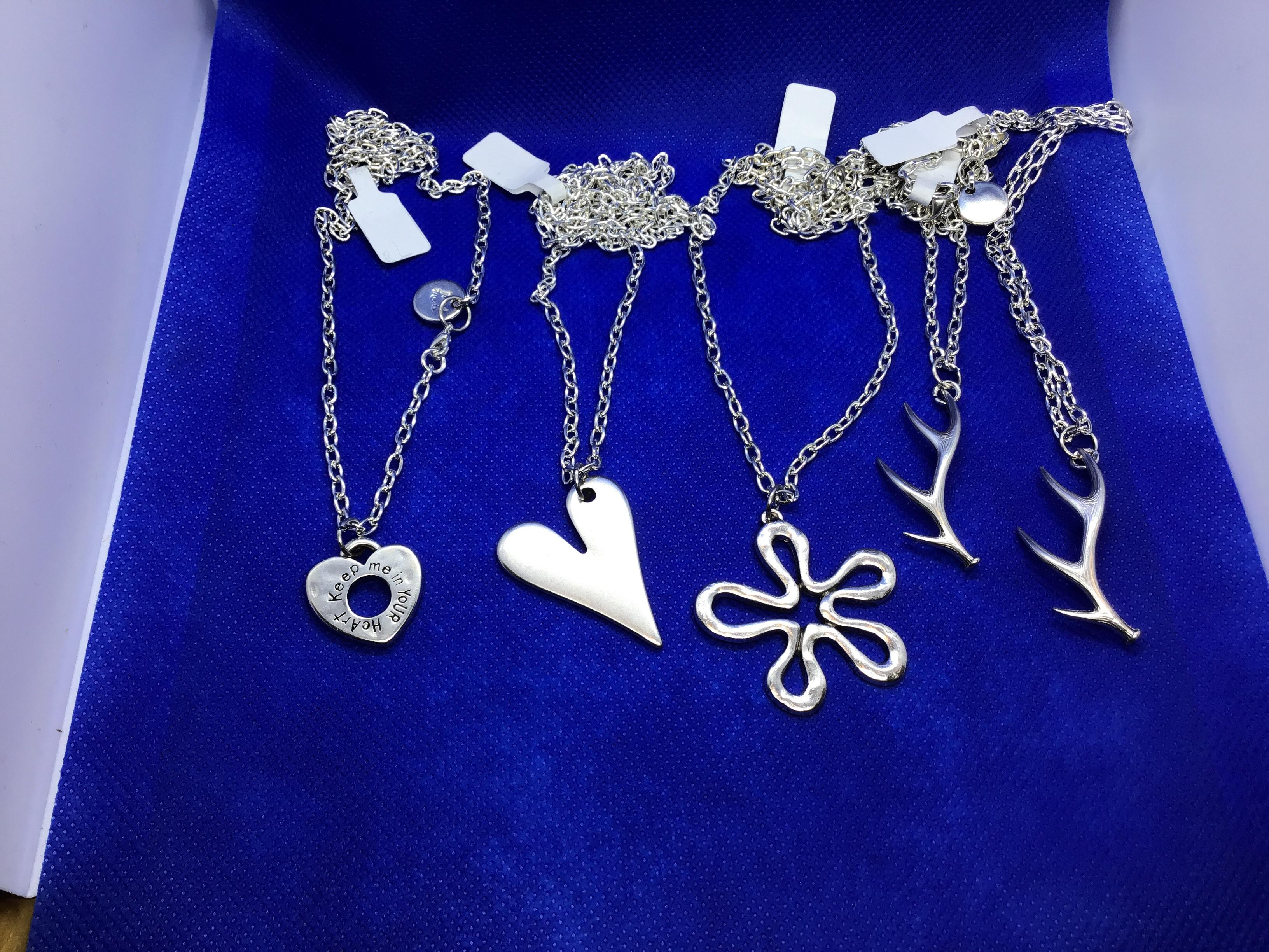 Halsband i metall