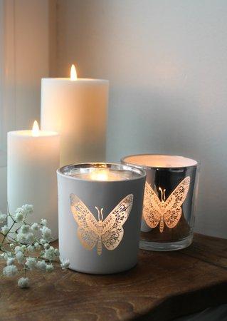 Majas Cottage - Ljuslykta med fjäril