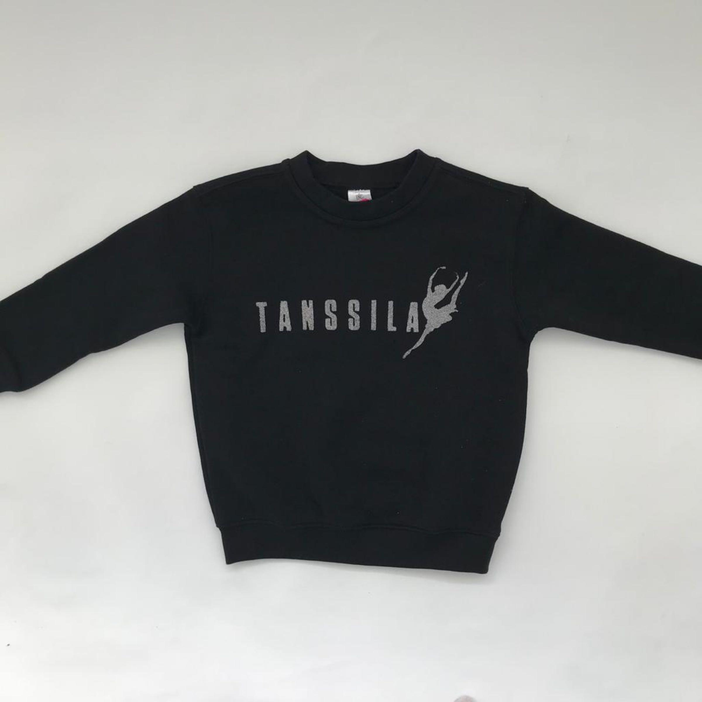 Tanssila, musta lasten college