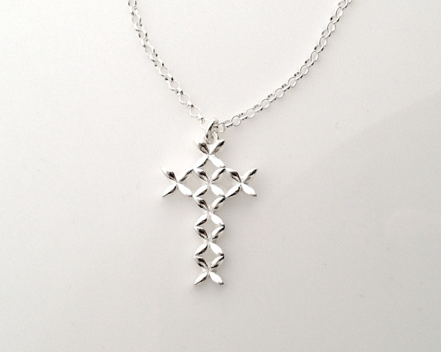 Anna cross pendant