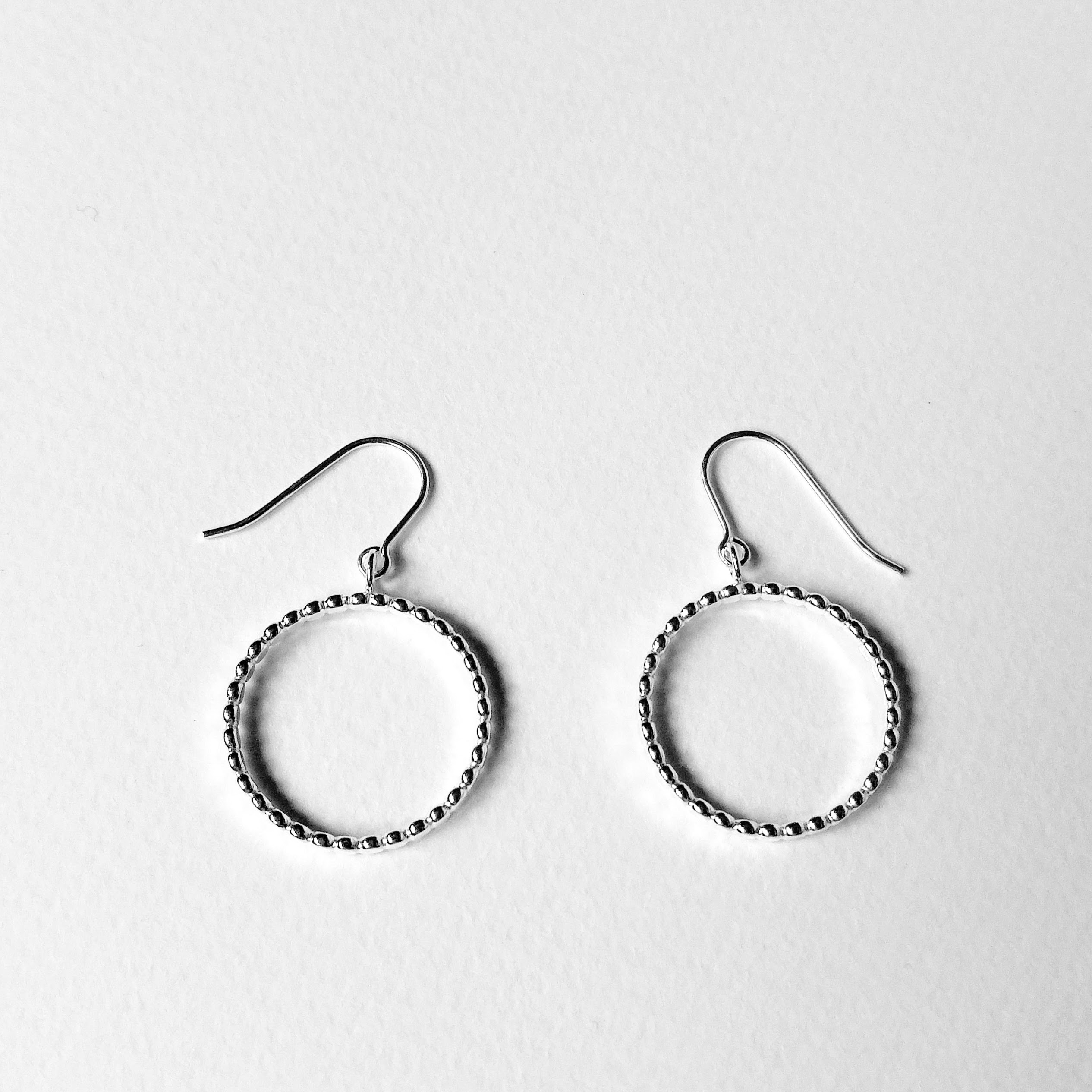 Nuance hoop earrings