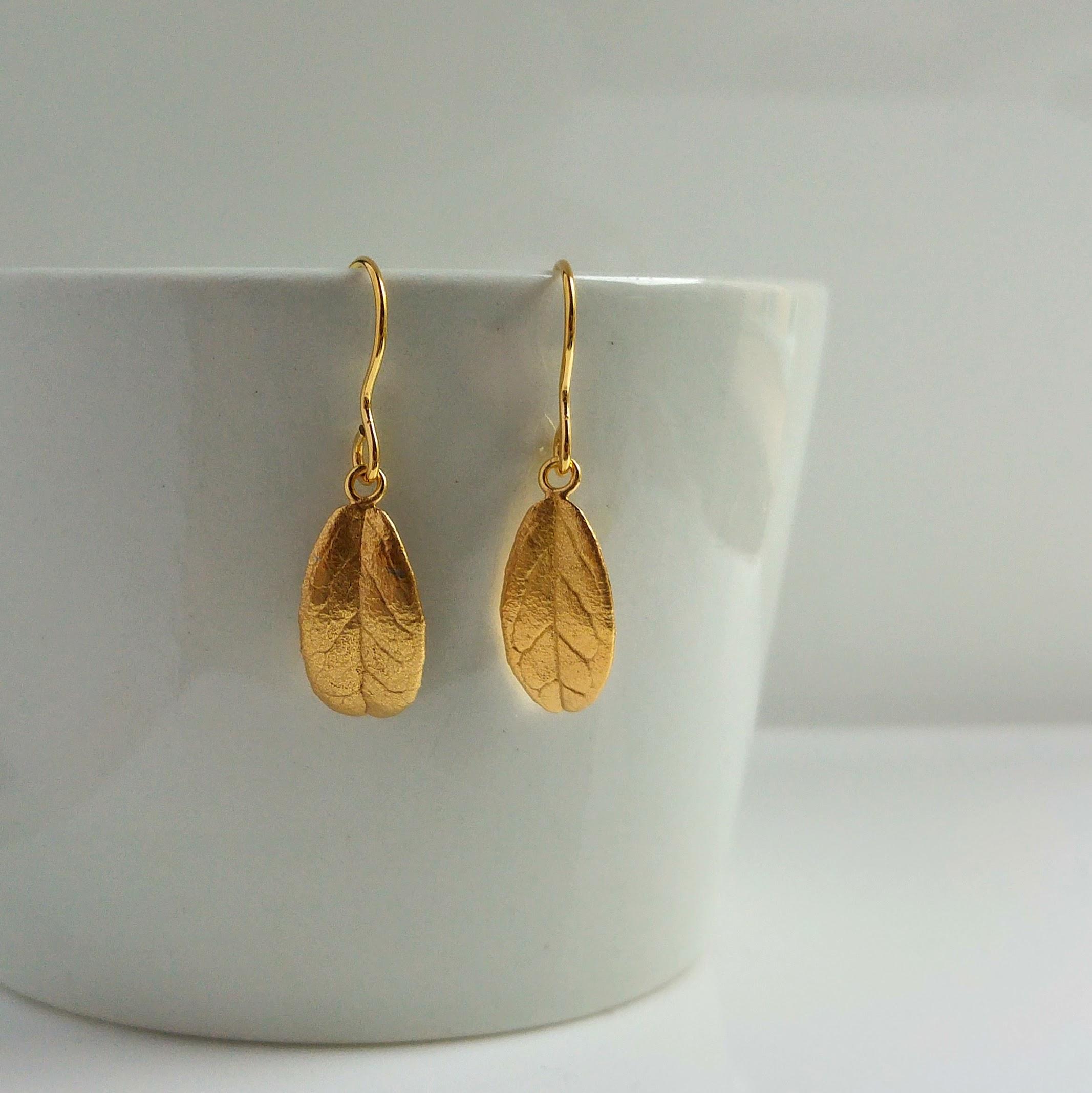 Eternal Lingon earrings, golden