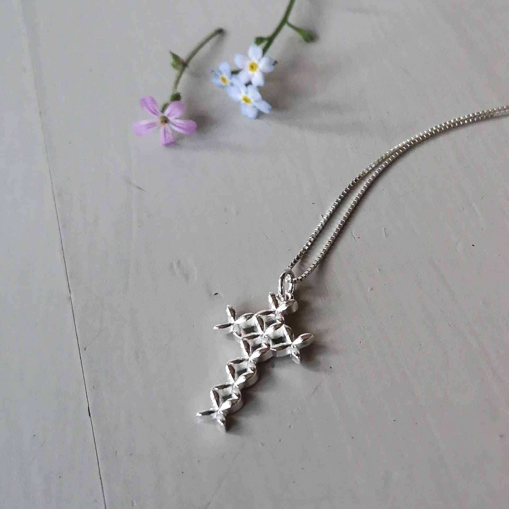 Anna cross pendant