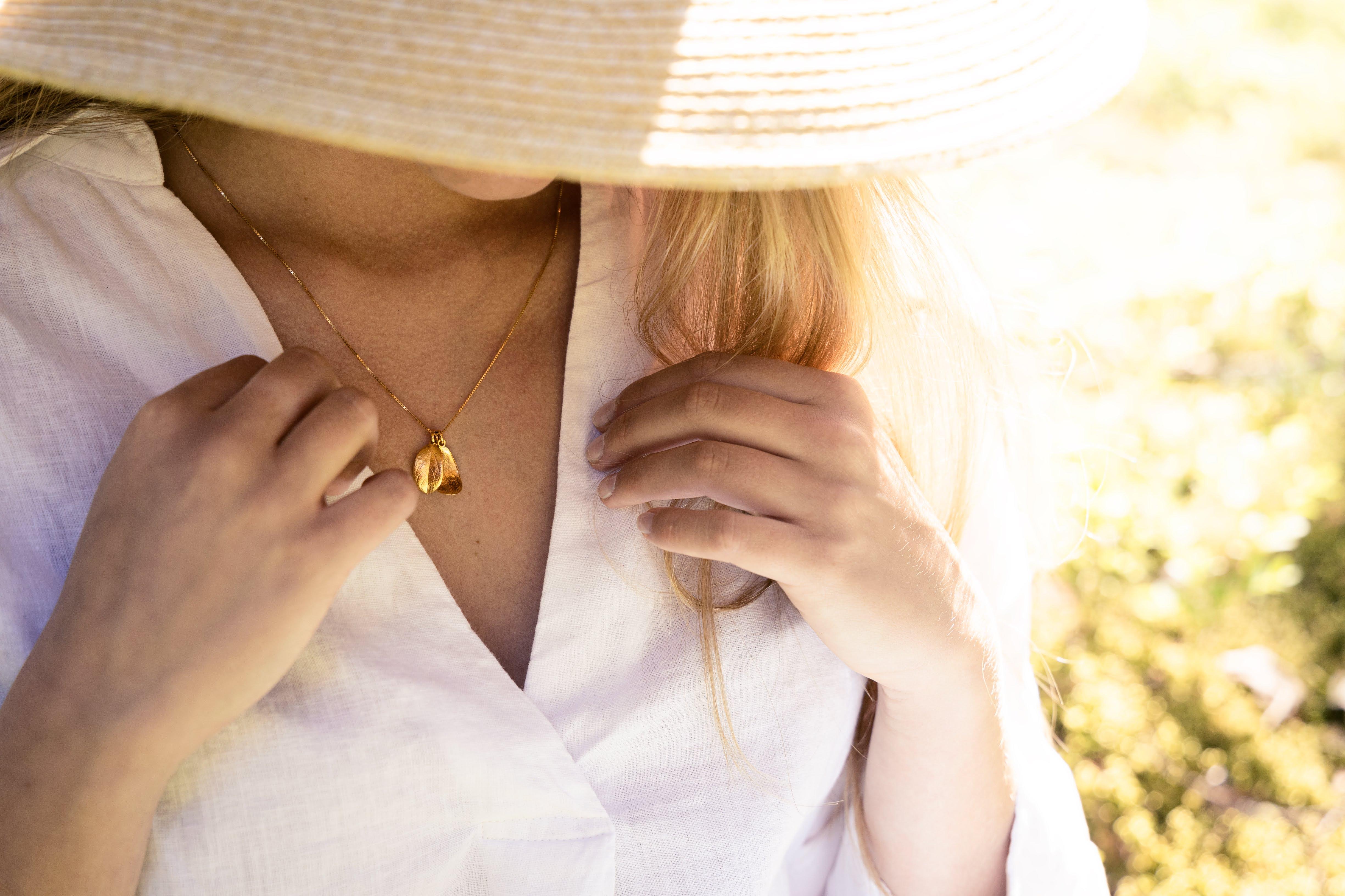Eternal Lingon necklace, golden