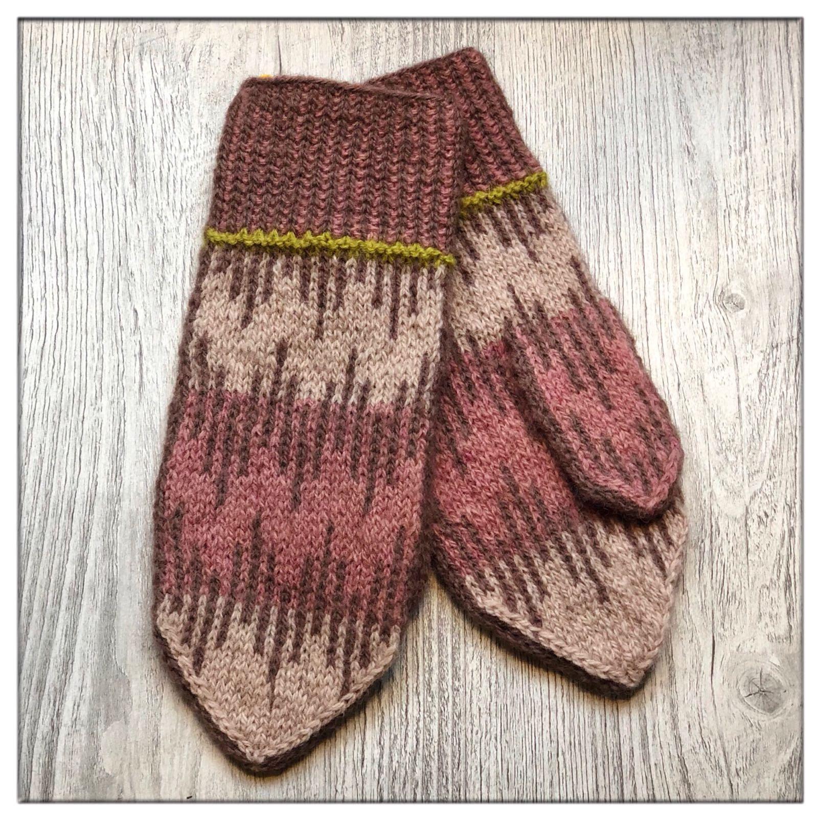 Hand-dyed & hand-knitted organic mittens by Vladanka for Kaya Originals