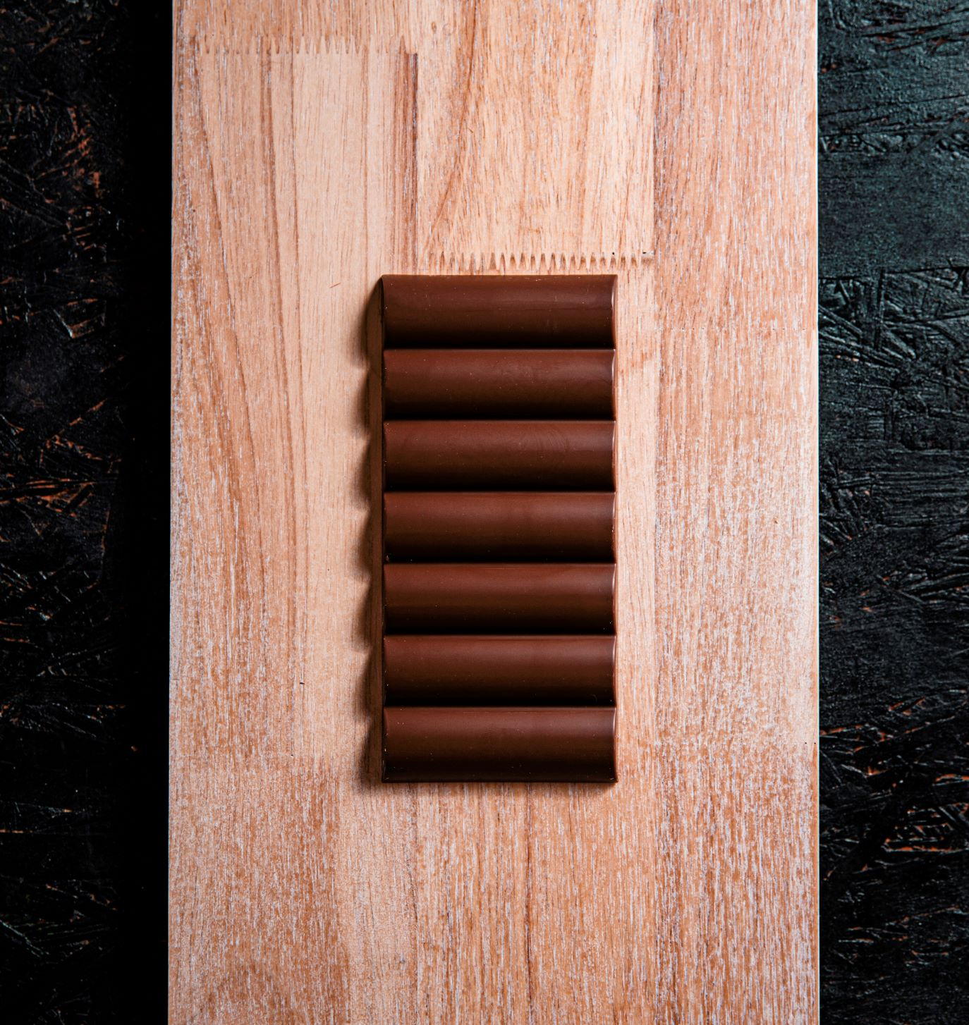 35% Milk Chocolate Wave Bar