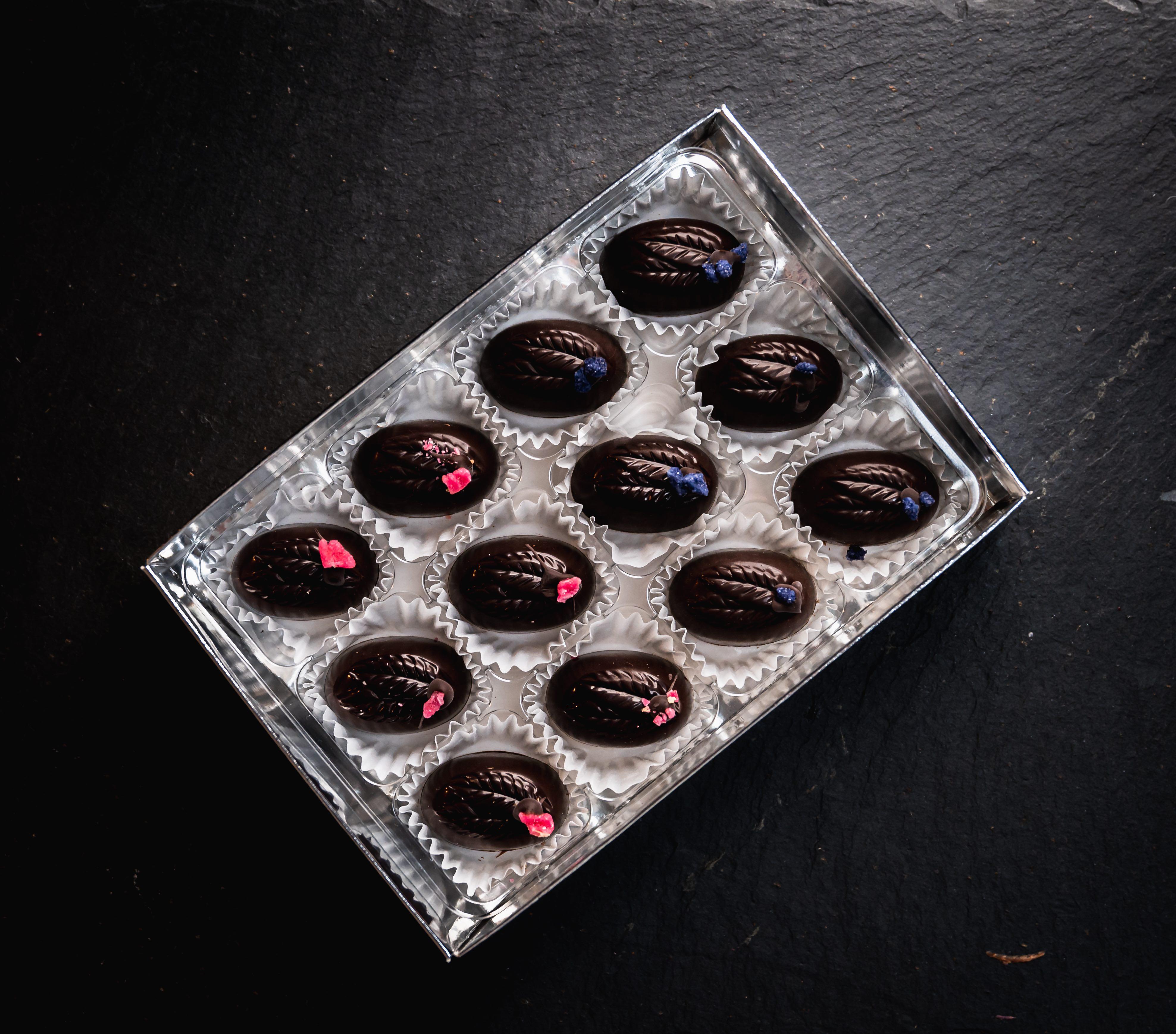 6 Rose and 6 Violet Fondant Creams in Dark Chocolate