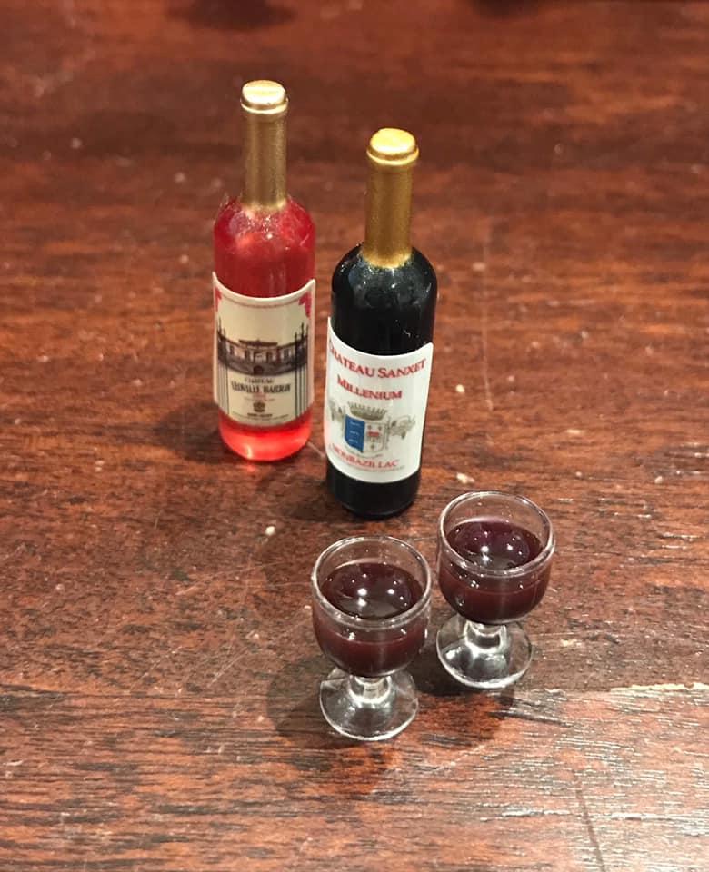3D-klippark: hvitvins-glass med druer.