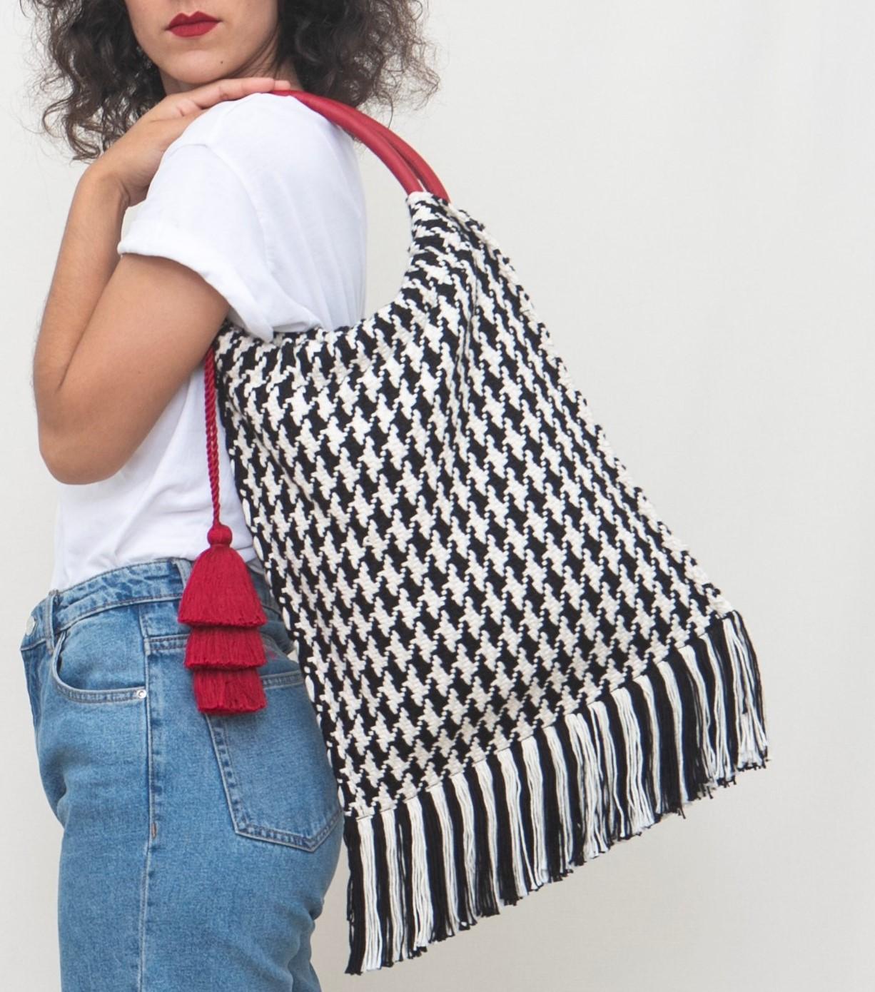 Coya Tote bag