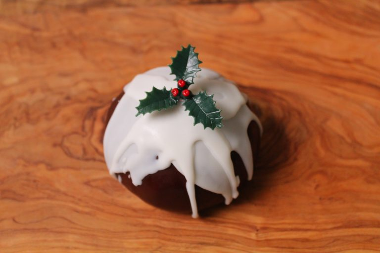 Christmas Pudding Cheese 200g Mature Scottish Cheddar Isle of Kintyre Cheese
