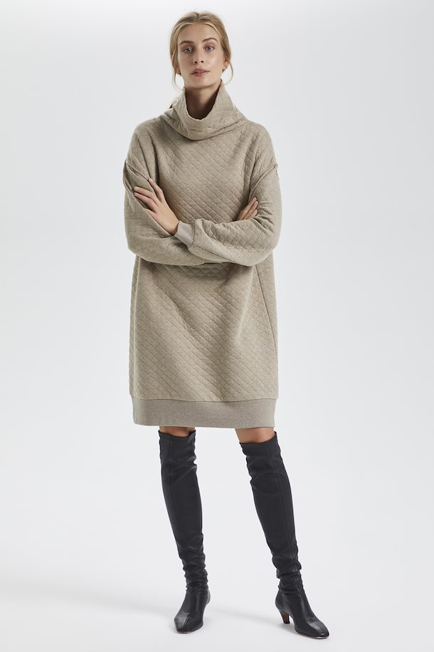 SOAKED IN LUXURY - SLBASIA TUNIC LS