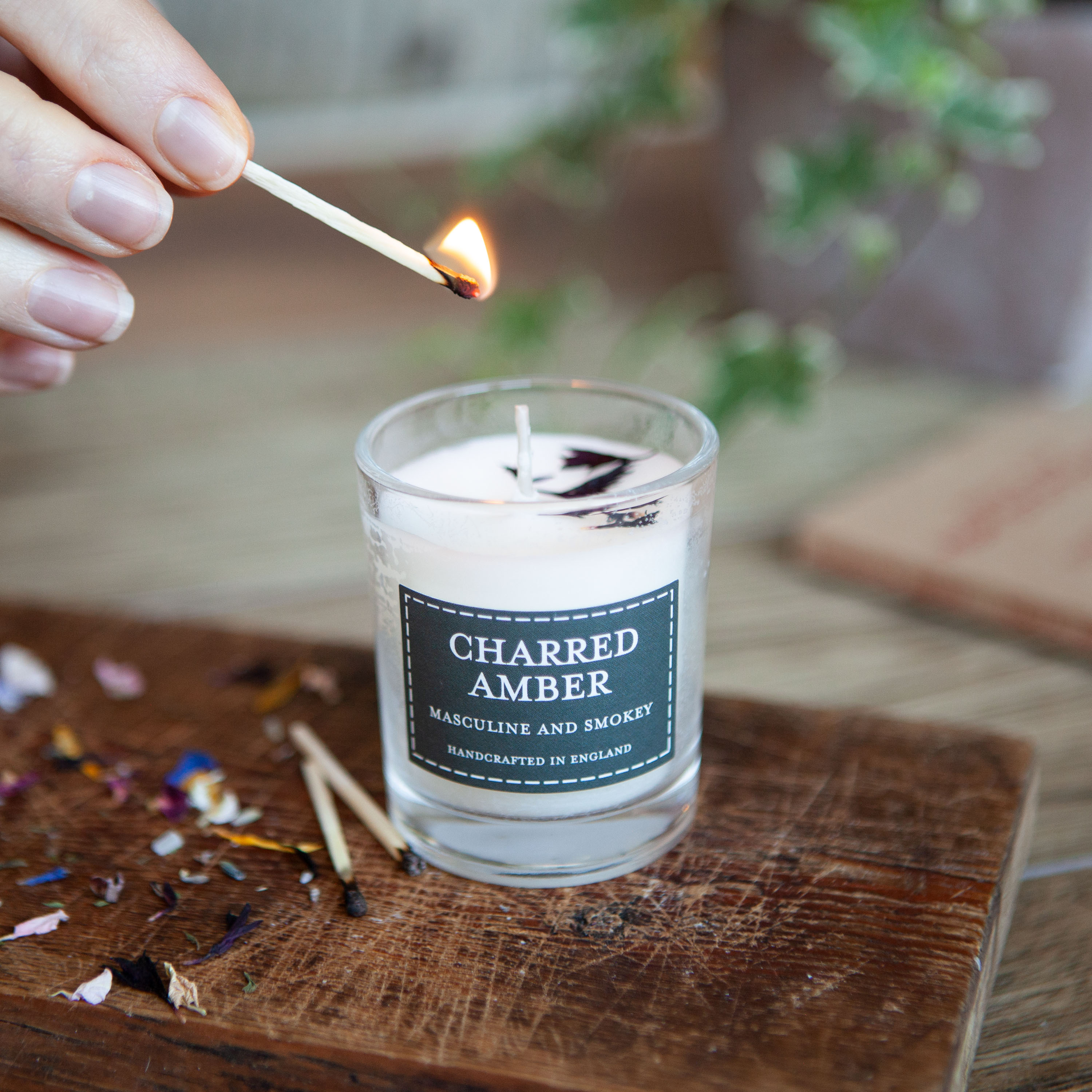 The Country Candle - Charred Amber