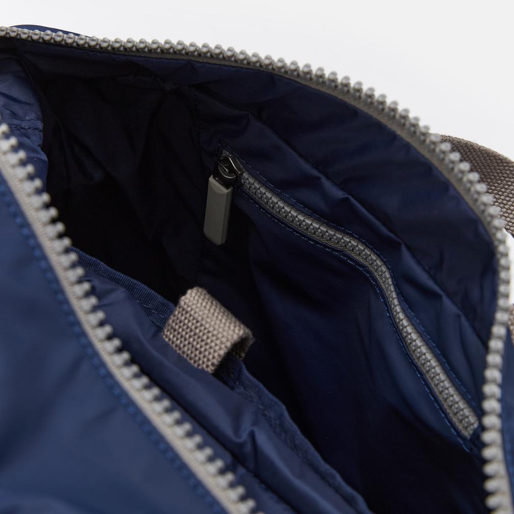 Roka Backpack - Camden A Medium - Navy