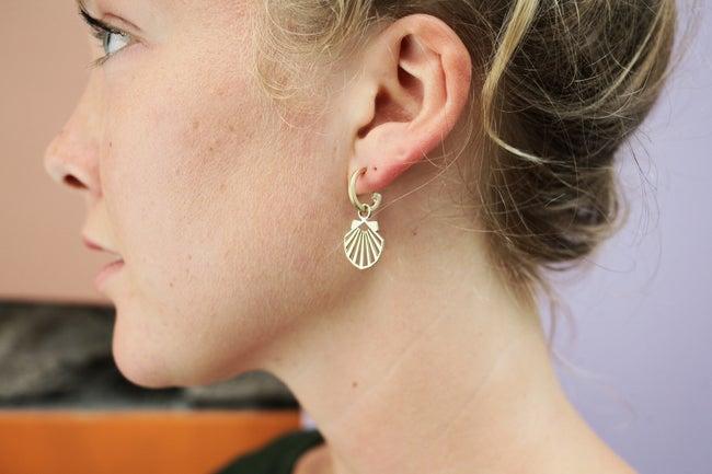 Lima Lima - Brass Shell Hoop earrings