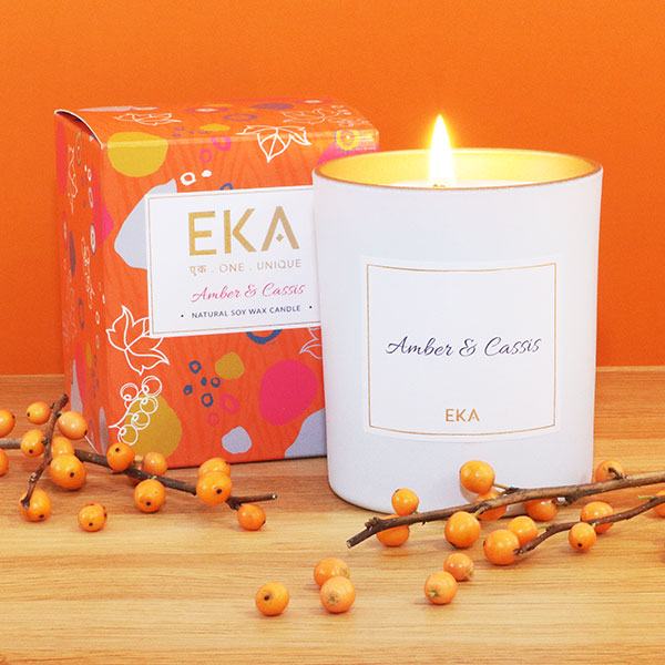 EKA - Amber & Cassis Soy Wax candle
