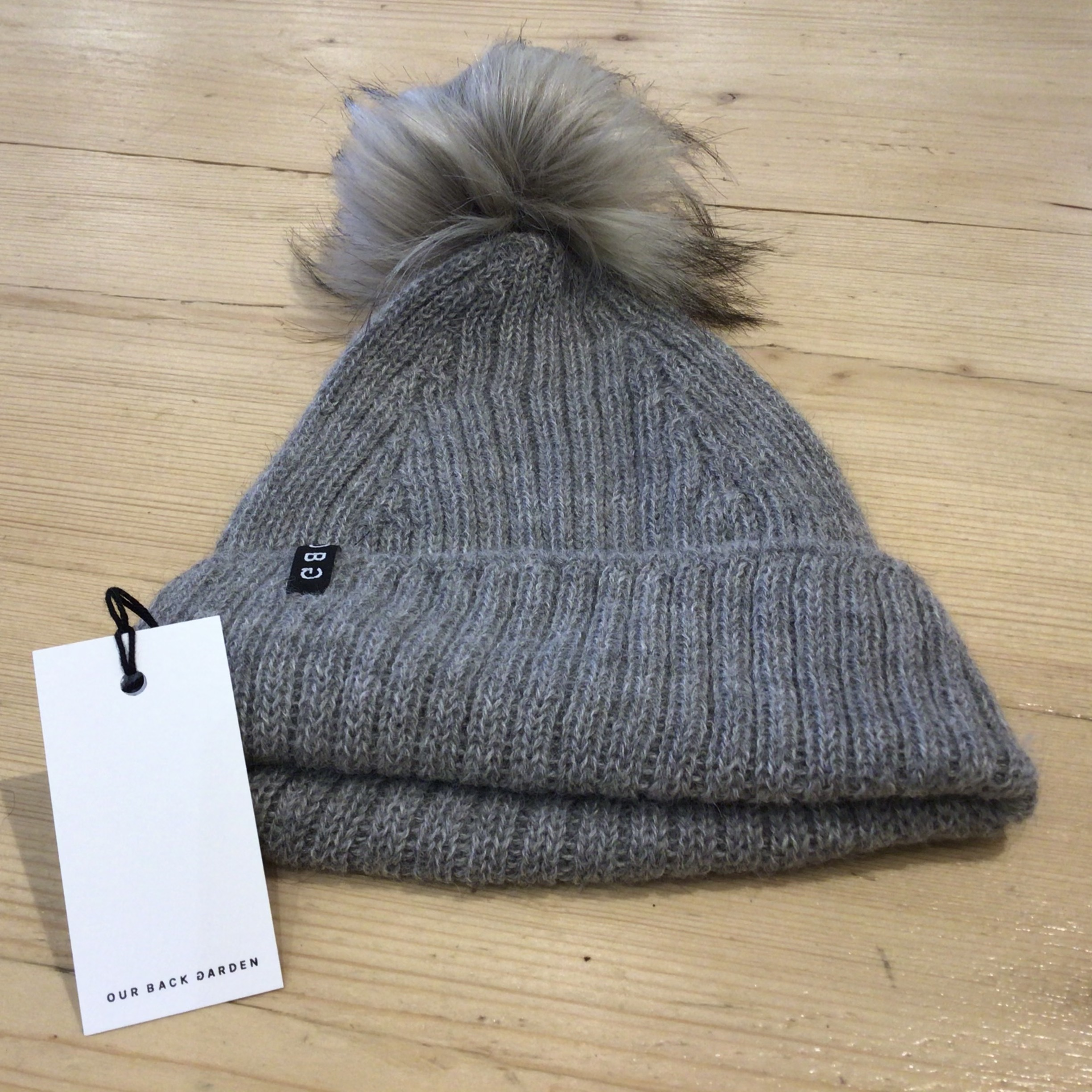 OBG - 100% Alpaca wool hat with Pom Pom, Grey & Raccoon