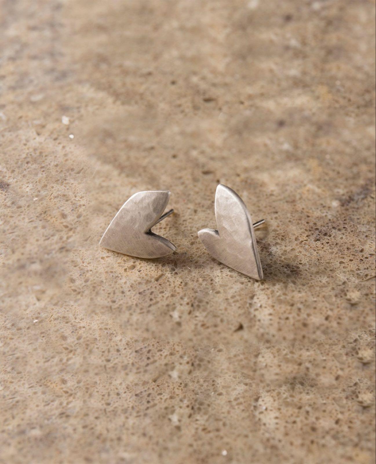Danon true love stud earrings