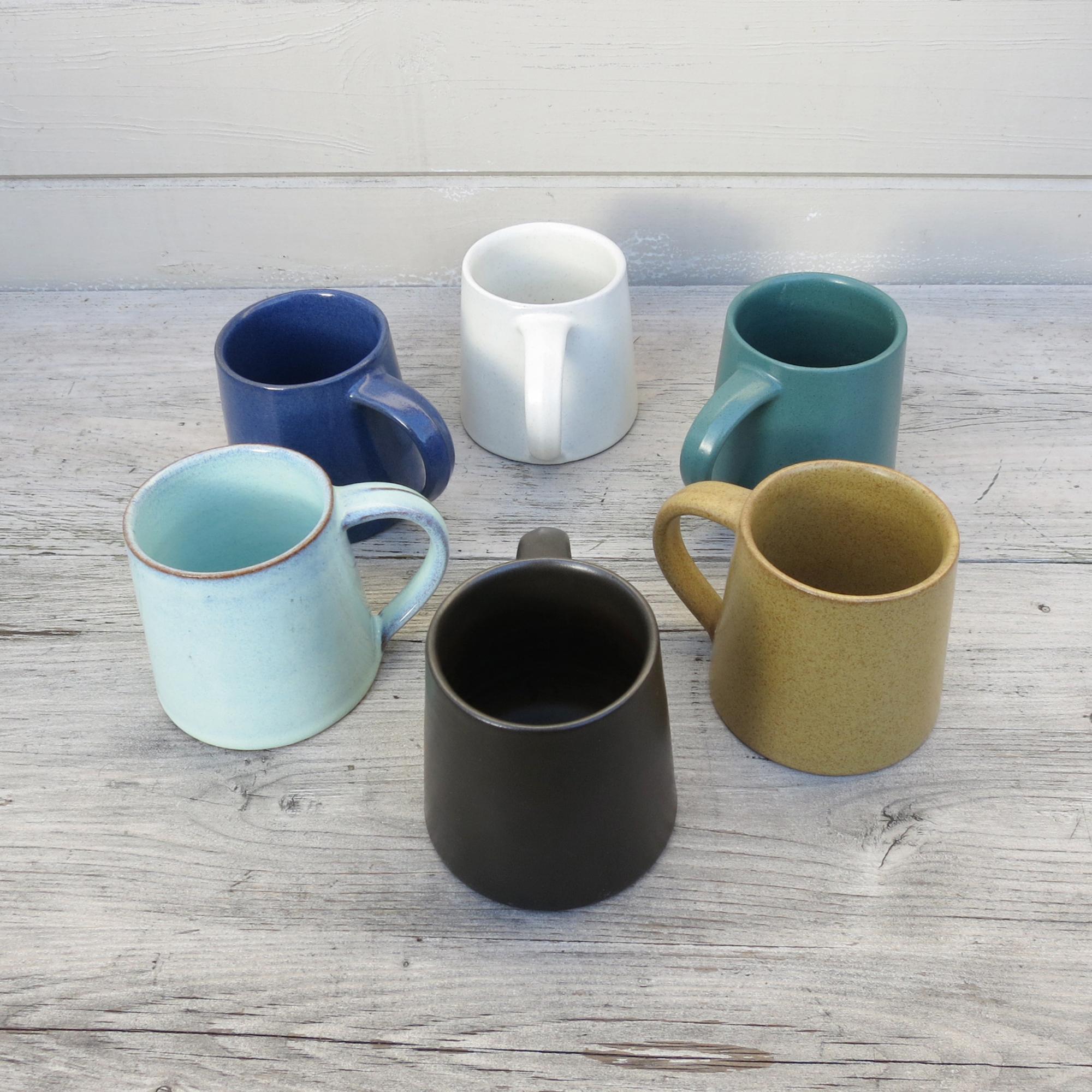 Stoneware Mug Dark Brown by Aura Que