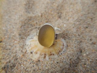 RE29 Sea Glass Ring Yellow Oval on star band