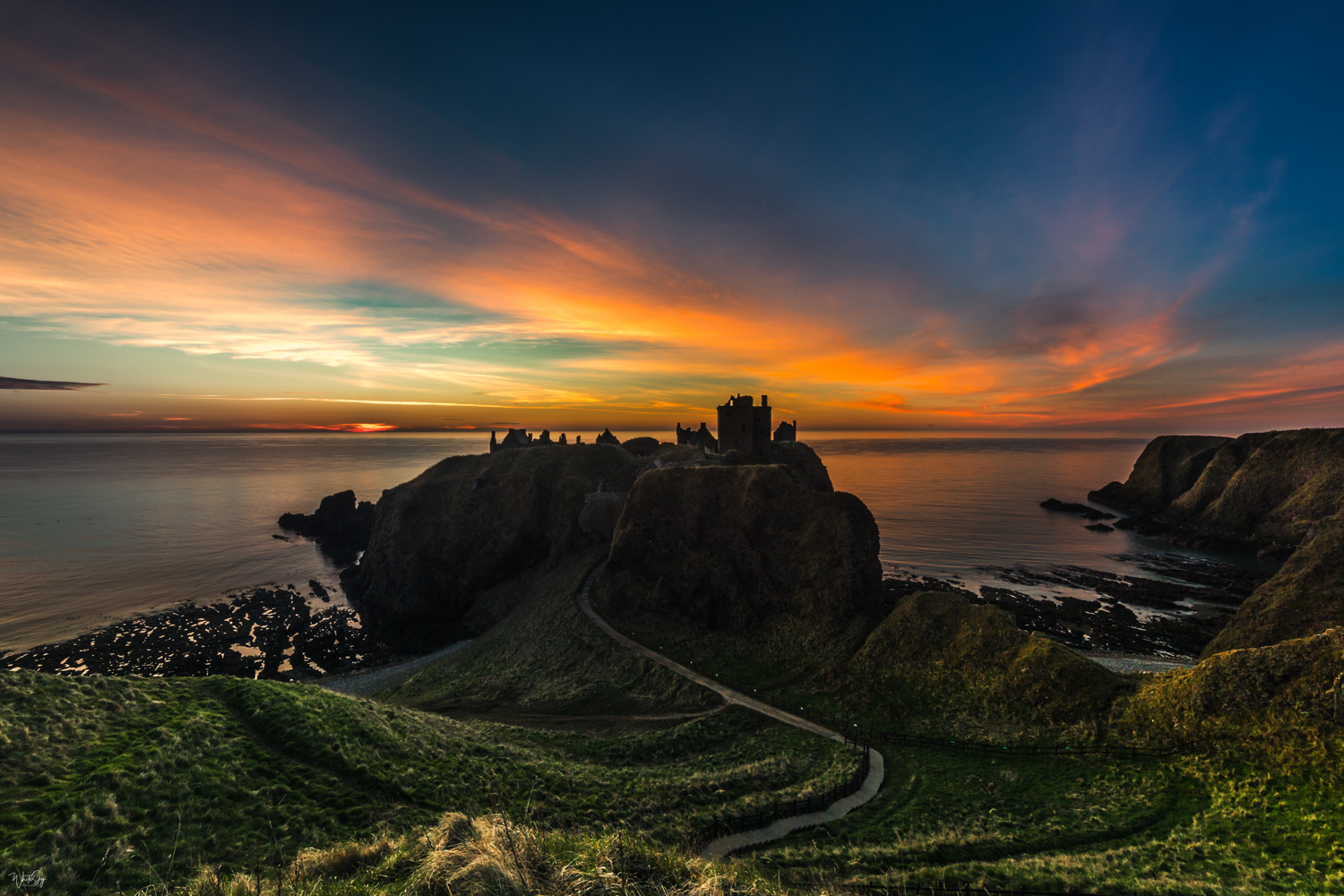 'Dunnottar Sunrise', 4/10, 80x60cm, Aluminium, (Made to Order, 2 weeks approx lead time)