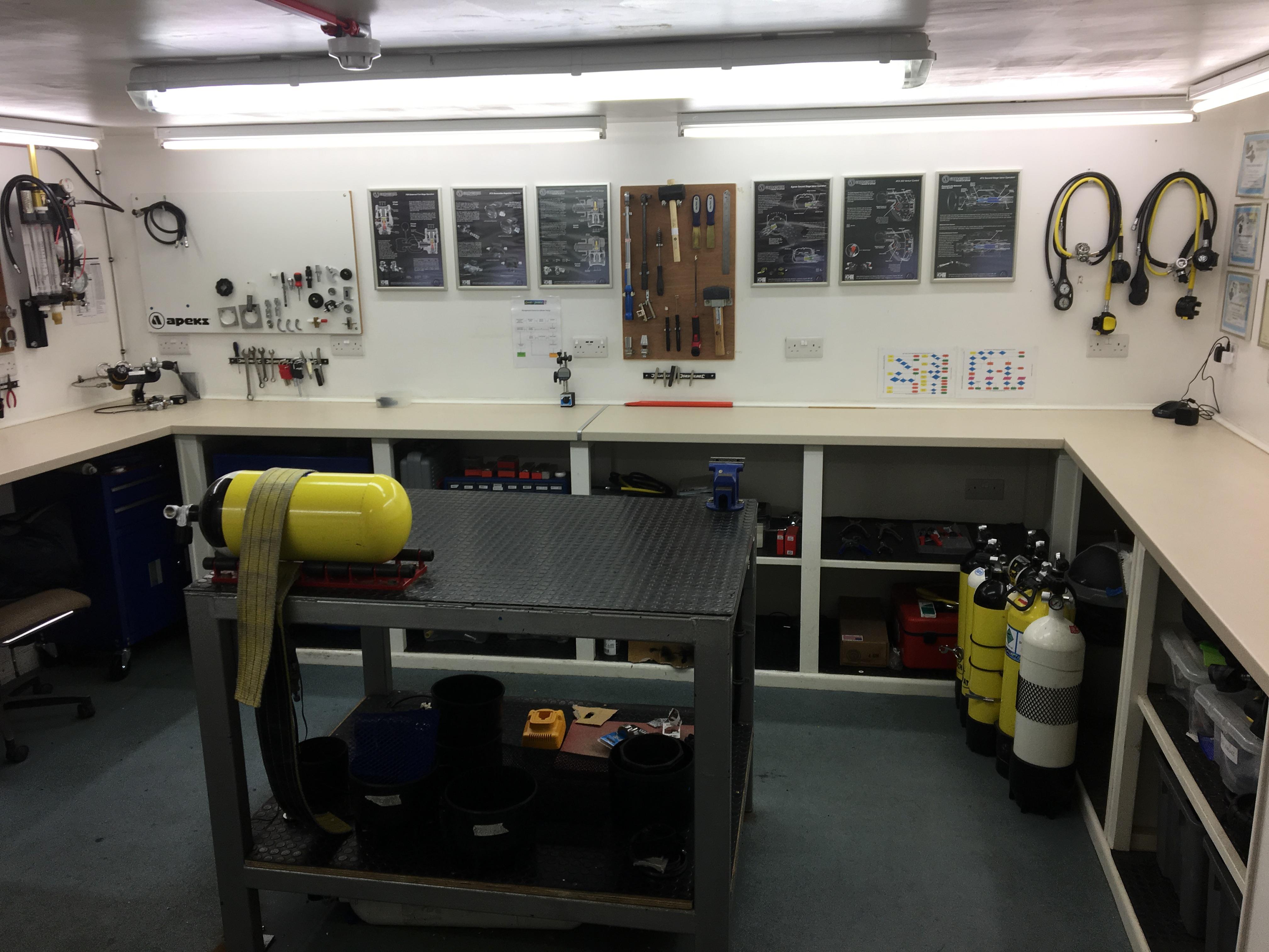 Dive Cylinder Service