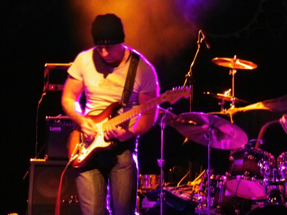 Simon Bennett Guitar Lessons
