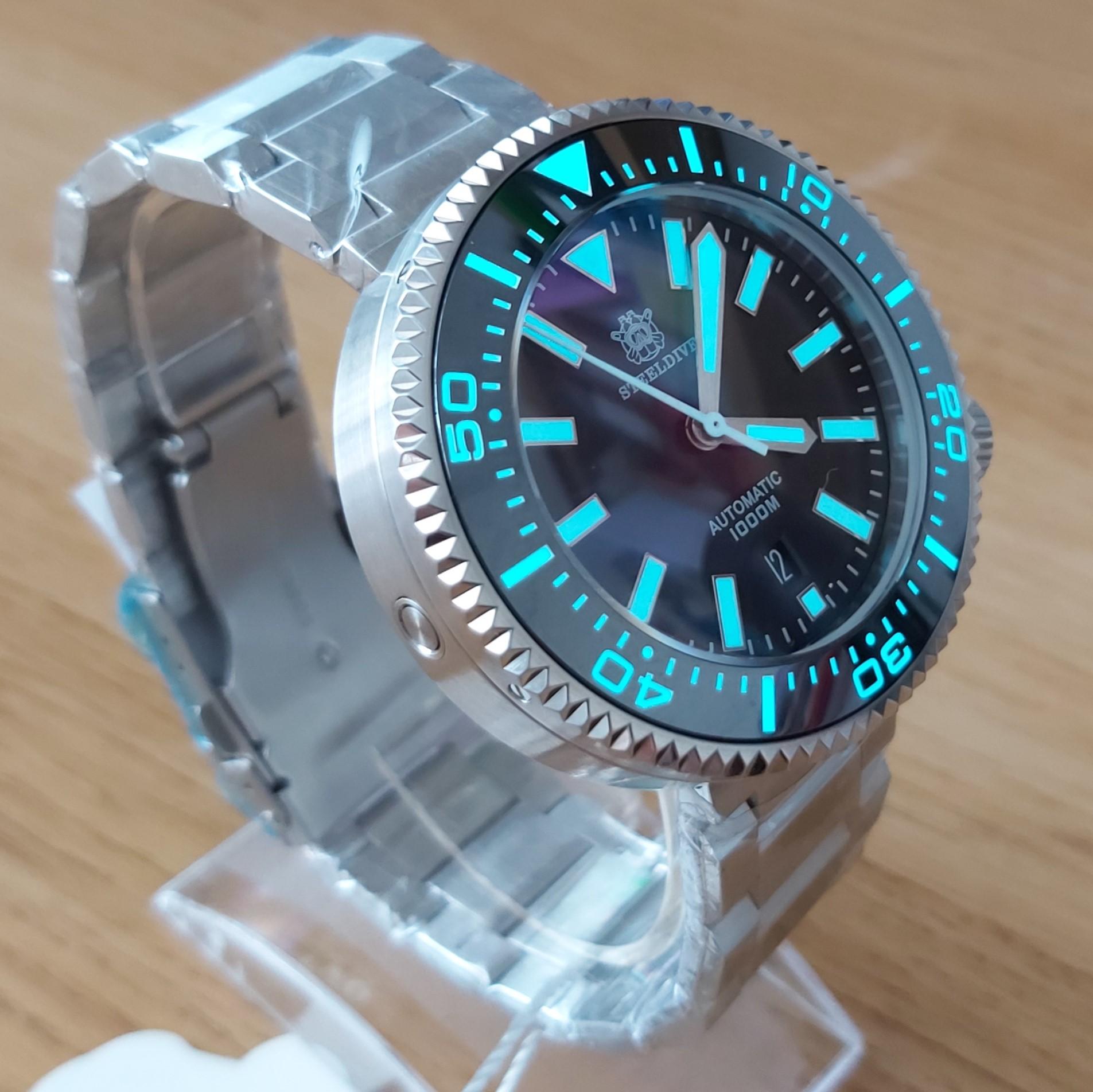 "Steeldive SD1976 1000M Dive Watch - The ""HALIOS PUCK"" Homage"