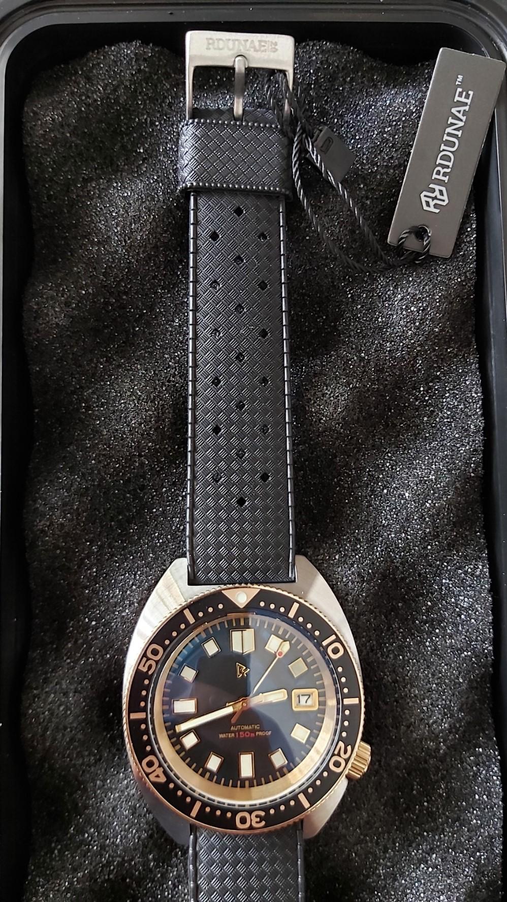 Retangula Rdunae 6105-8000 Homage: Black & Gold