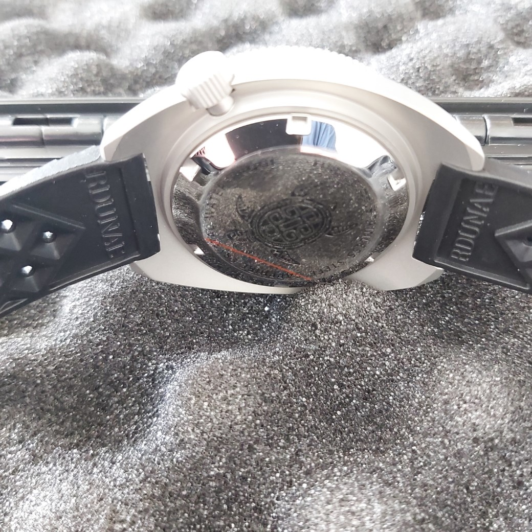 Retangula Rdunae 6105-8000 Homage: Silver & White