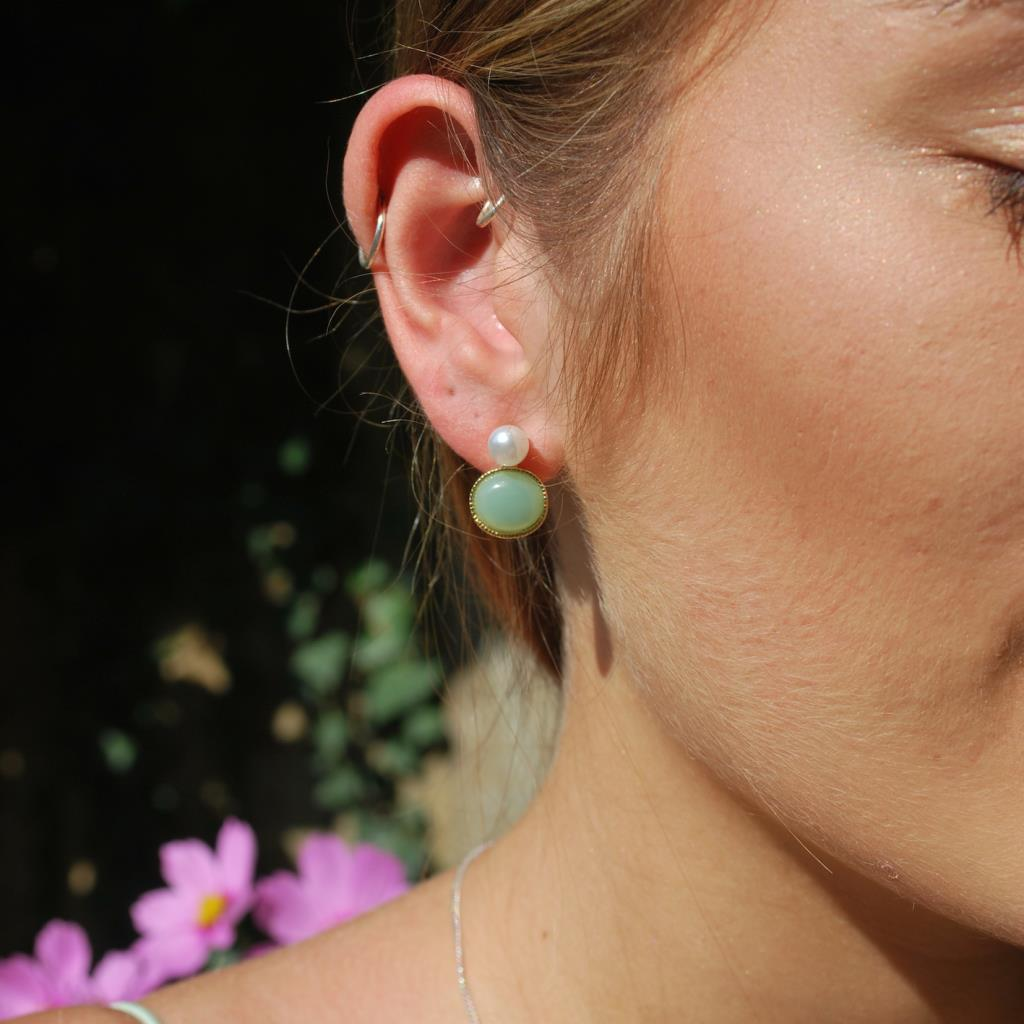 Pearl & resin earring mint & gold