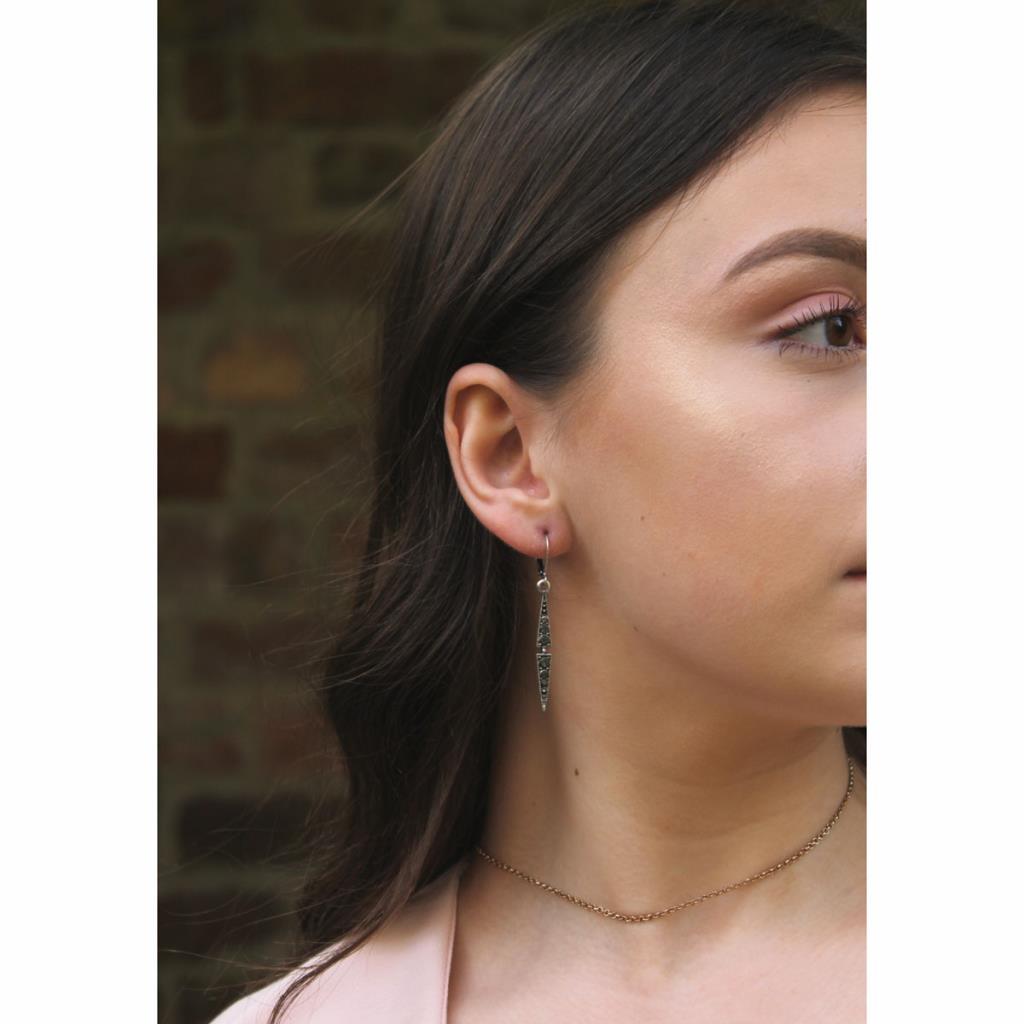 Thin drop crystal earring silver