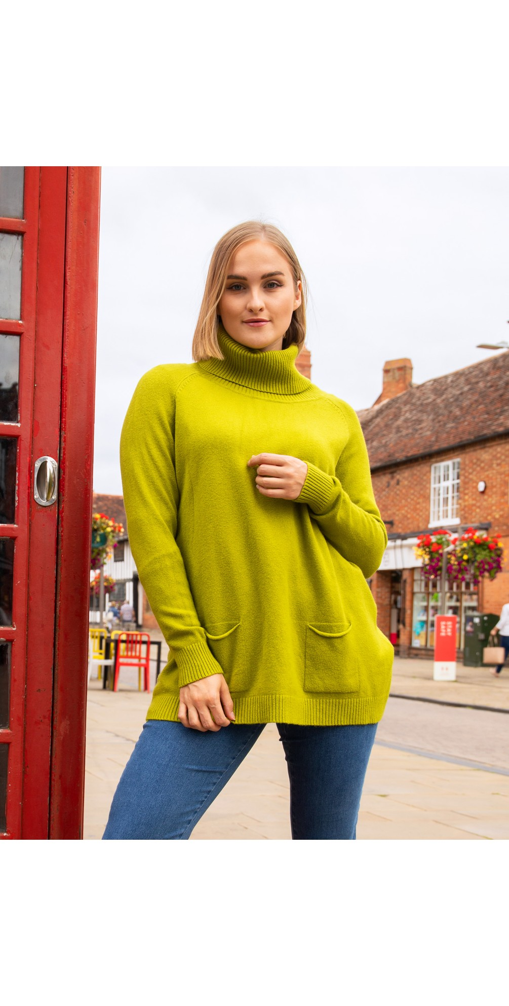Anna Two Pocket Relaxed Fit Jumper