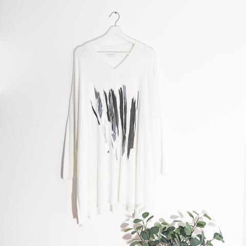 WHITE FINE KNIT WITH BRUSH METALLIC PRINT