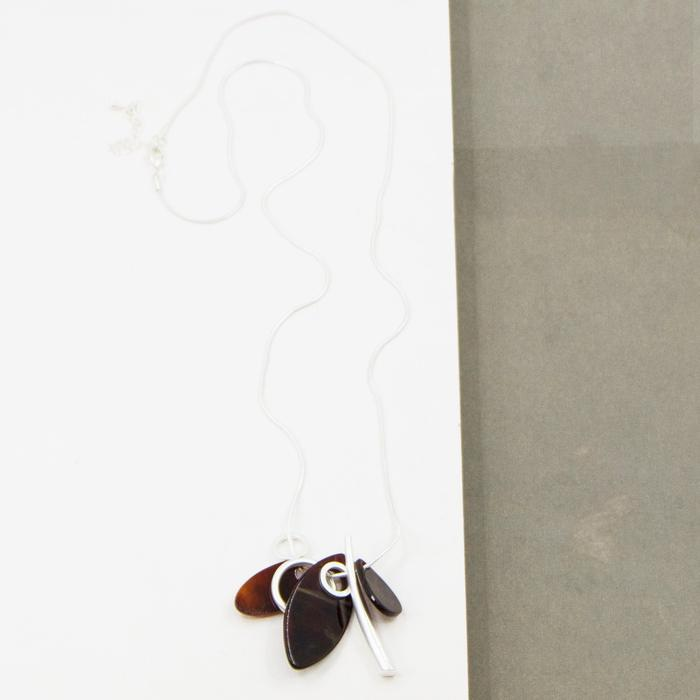 LONG RESIN AND CIRCLES CONTEMPORARY NECKLACE
