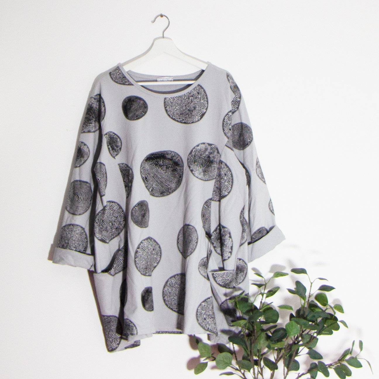 SALE WAS £30 NOW £20 Grey Circle Pattern Pocket Top