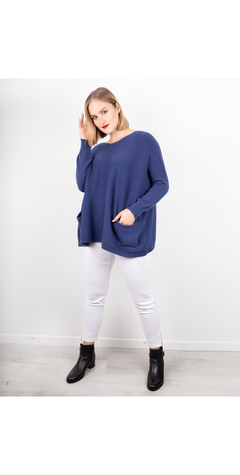 Carys Sweater Navy - Amazing Woman