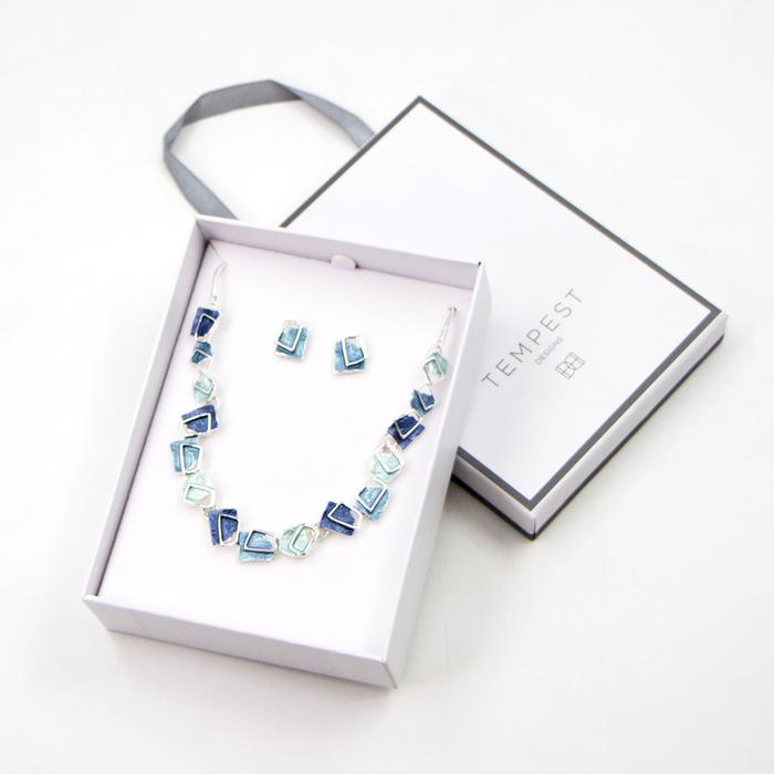 GEOMETRIC SQUARES ENAMEL AND SILVER LINING NECKLACE SET