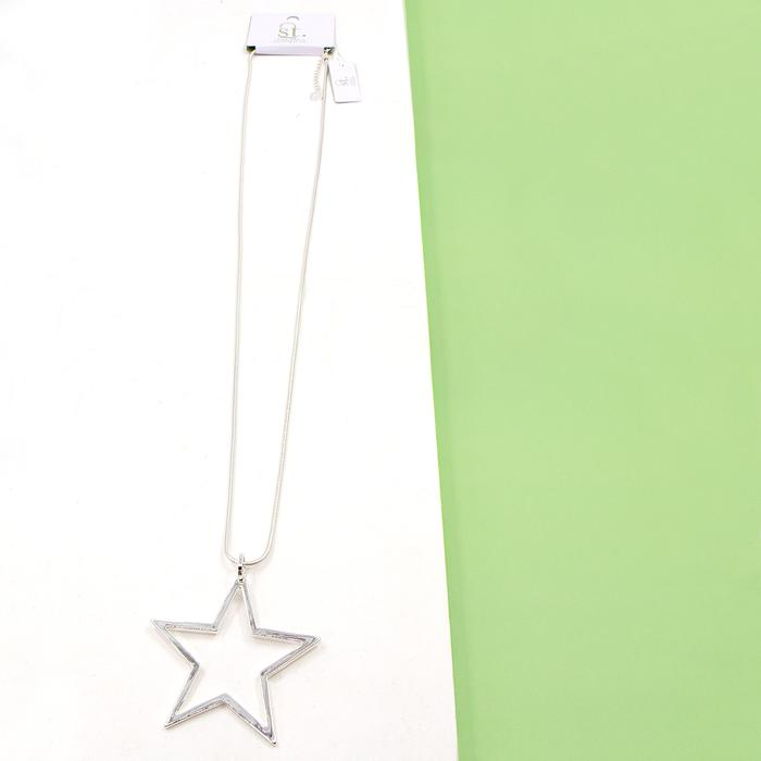 OPEN STAR PENDANT ON LONG SNAKE CHAIN