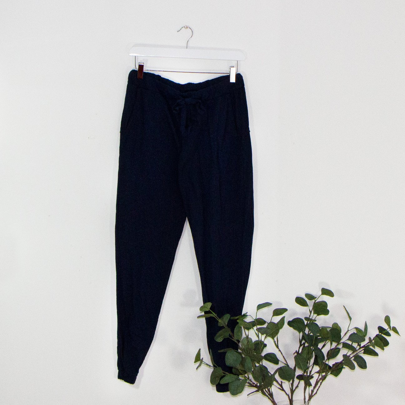SALE WAS £35 NOW £20 CLASSIC JERSEY JOGGERS WITH DRAWSTRING WAIST