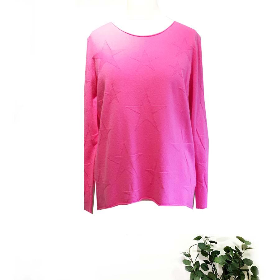Amazing Woman Lightweight Star Design Sweater