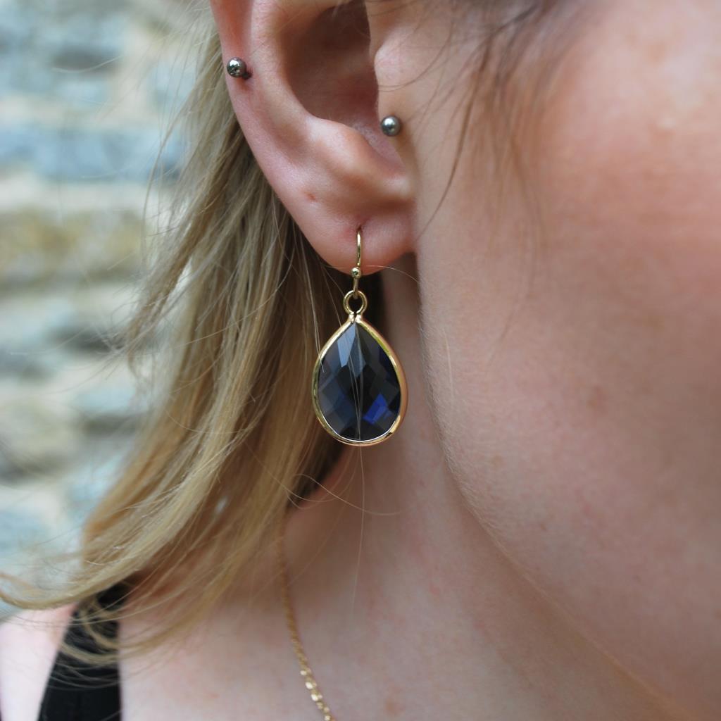 Faceted teardrop gem earring blue