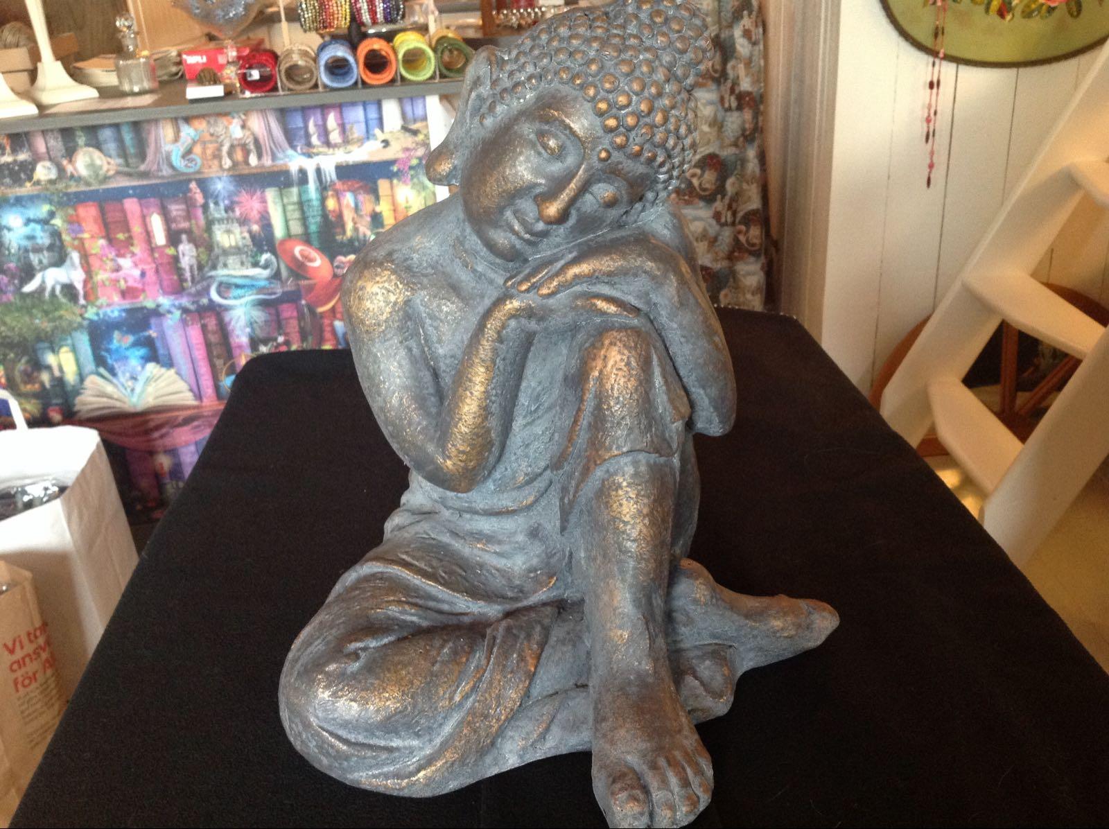 """Buddha - OBS! Skickas ej - Se vidare """"Hämtas i butik"""" i huvudmenyn"""