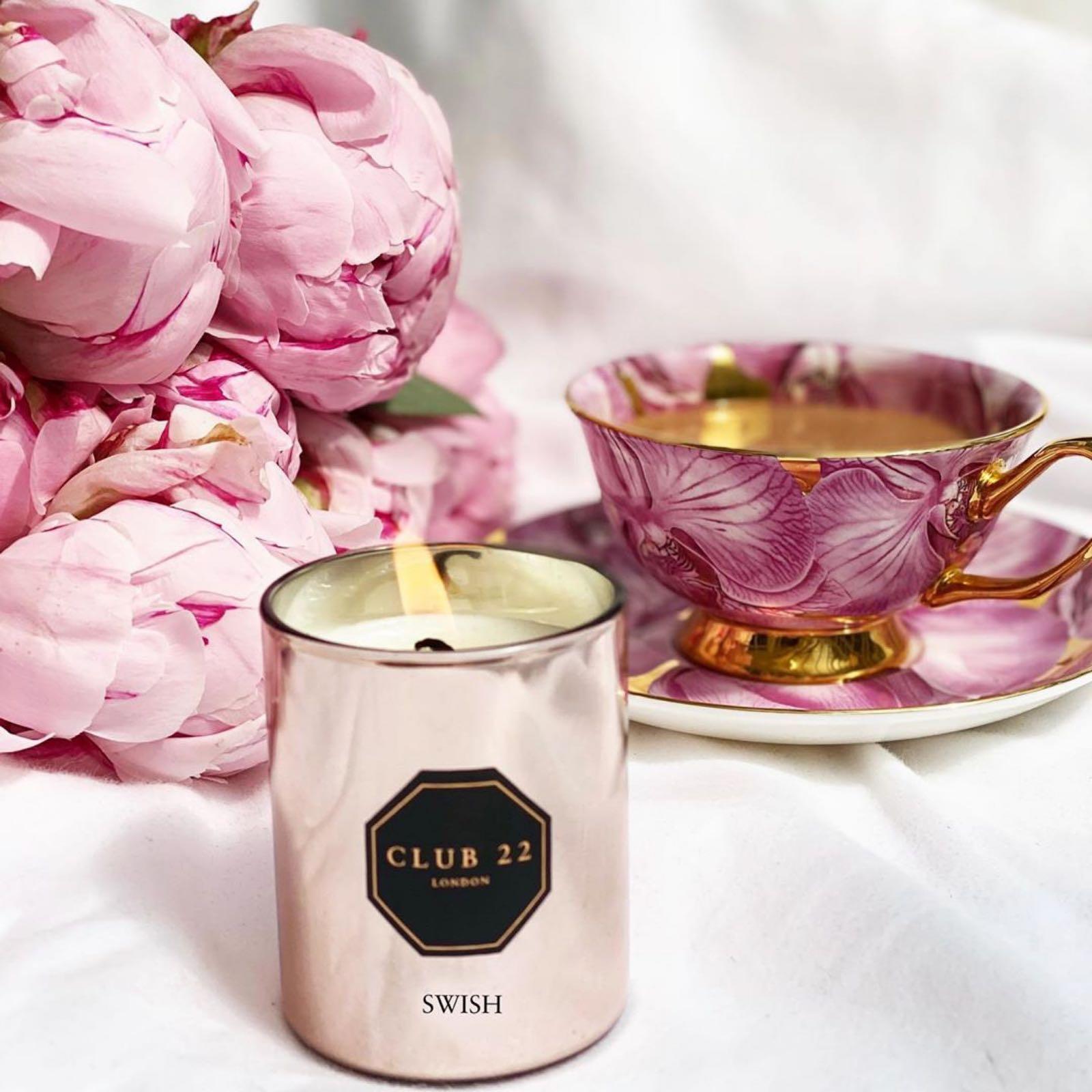 Club 22 London fragranced candle swish 115g