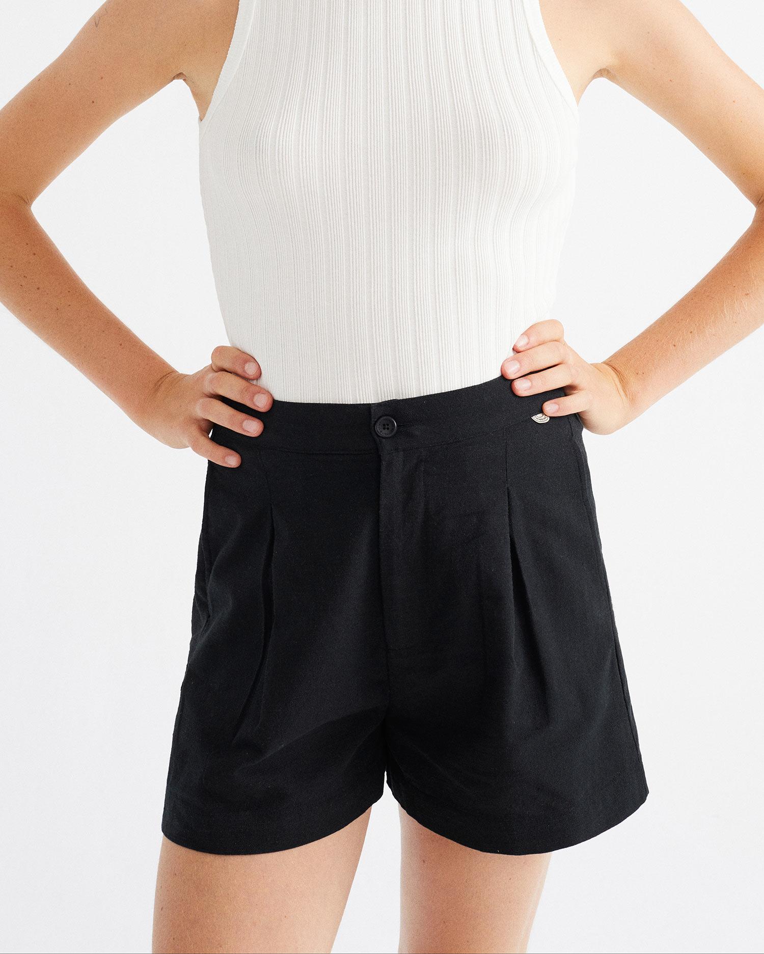 black narciso shorts, damen - thinking mu